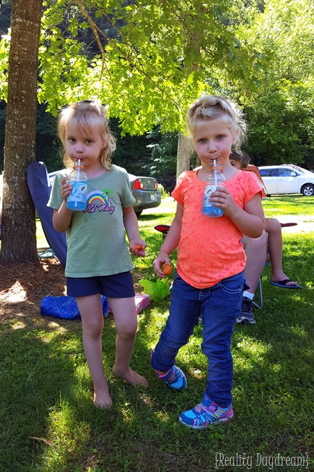 Paisley and Della Camping 2016 {Reality Daydream}