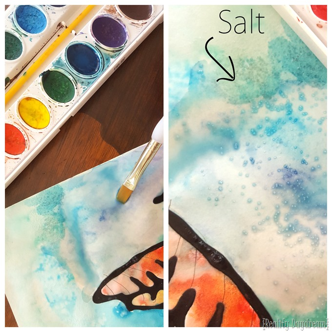 Sprinkle some salt onto wet watercolor art, and it makes a really neat effect! {Reality Daydream}