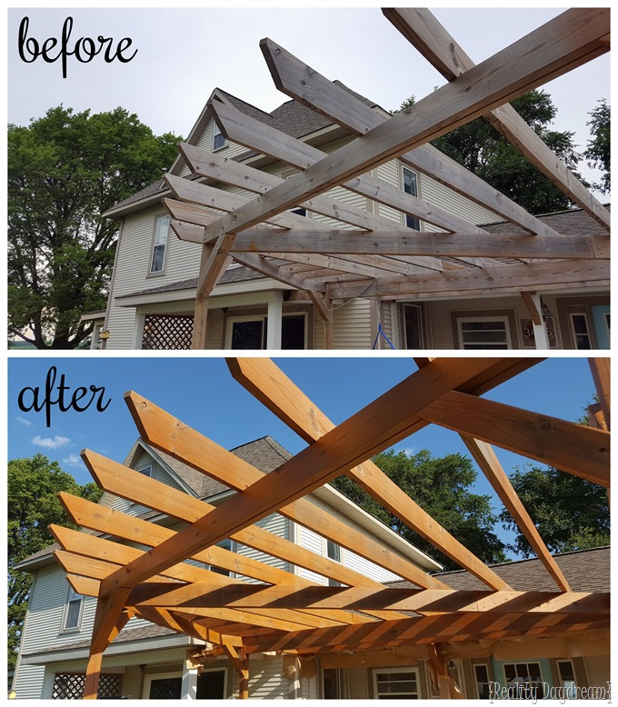 Staining and sealing your pergola makes SUCH a big difference! And it's not as much work as you might think. {Reality Daydream}