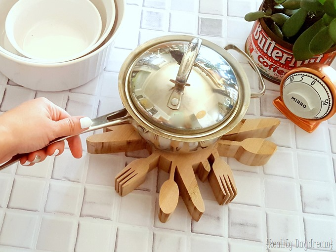 Butcherblock Utensil Trivet DIY Tutorial {Reality Daydream}