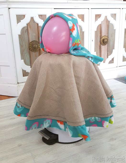 Make this fleece hooded poncho as a jacket or winter coat for a little girl! {Reality Daydream}