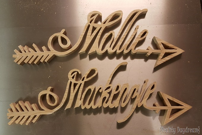 Wooden 'arrow' make plaques... made with a scroll saw! {Reality Daydream}