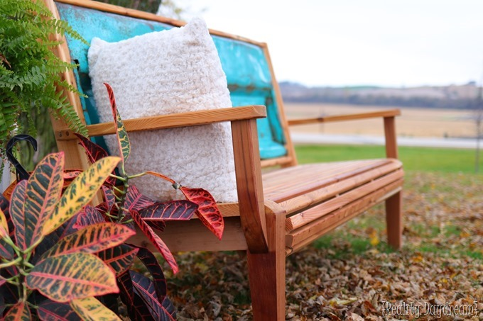 Detailed Cedar Tailgate Bench with FREE building plans! {Reality Daydream}