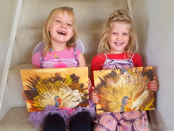 Thanksgiving Kids Craft! Make these turkeys using Unicorn Spit as finger paint! {Reality Daydream}