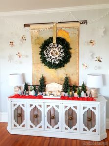 winter-wonderland-snowflake-christmas-mantel-for-vignette-reality-daydream
