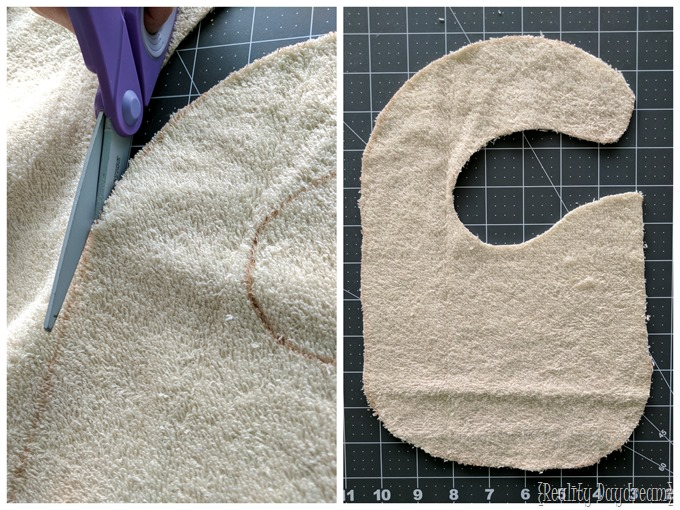 Let's make a super cute lacey drool bib for that teething baby or toddler in your life! {Reality Daydream}