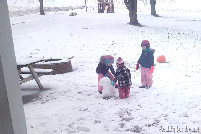 SySisters playing in the snow {Reality Daydream}