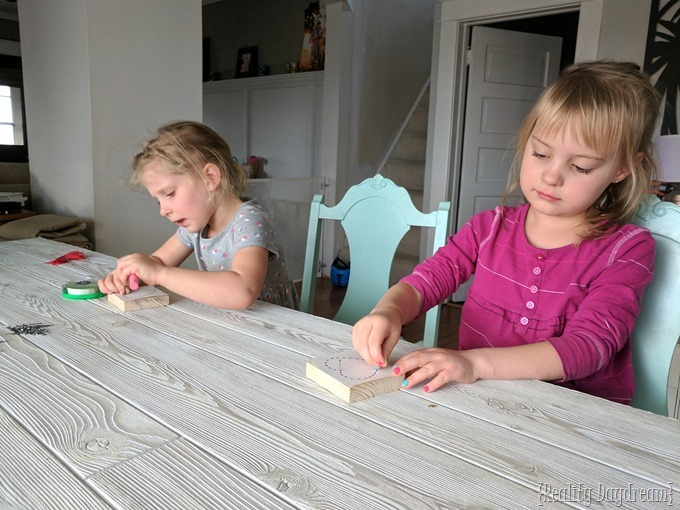 DIY Beginner String Art Kids Craft {Reality Daydream}