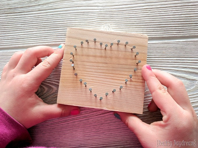 Valentine's Day Kids Craft - Heart-shaped beginner String Art! {Reality Daydream}