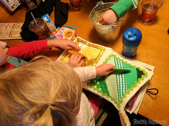 Activities, ideas, and tips for eating out at restaurants with little kids {Reality Daydream}