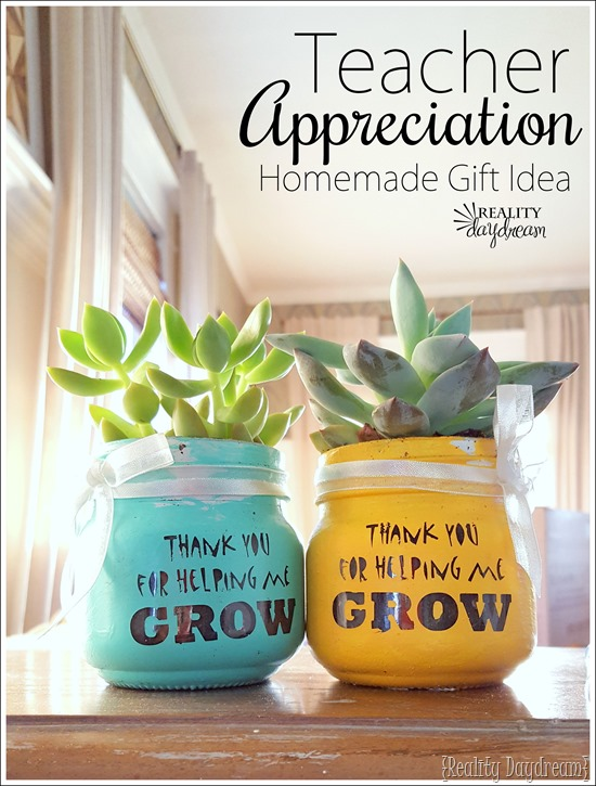 Darling Teacher Appreciation Gift Idea - Homemade little Succulent Pots that say 'thanks for helping me GROW!'
