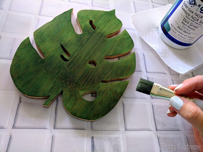 Staining this leaf trivet with Solar Lux Dye {Reality Daydream}
