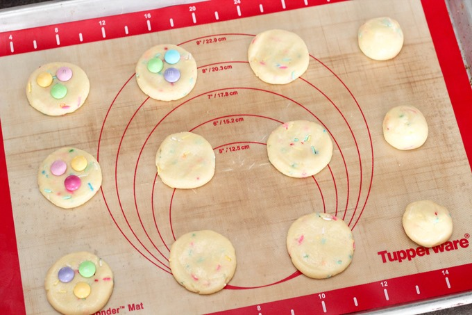 Make these Funfetti Cake Mix Cookies for Easter!