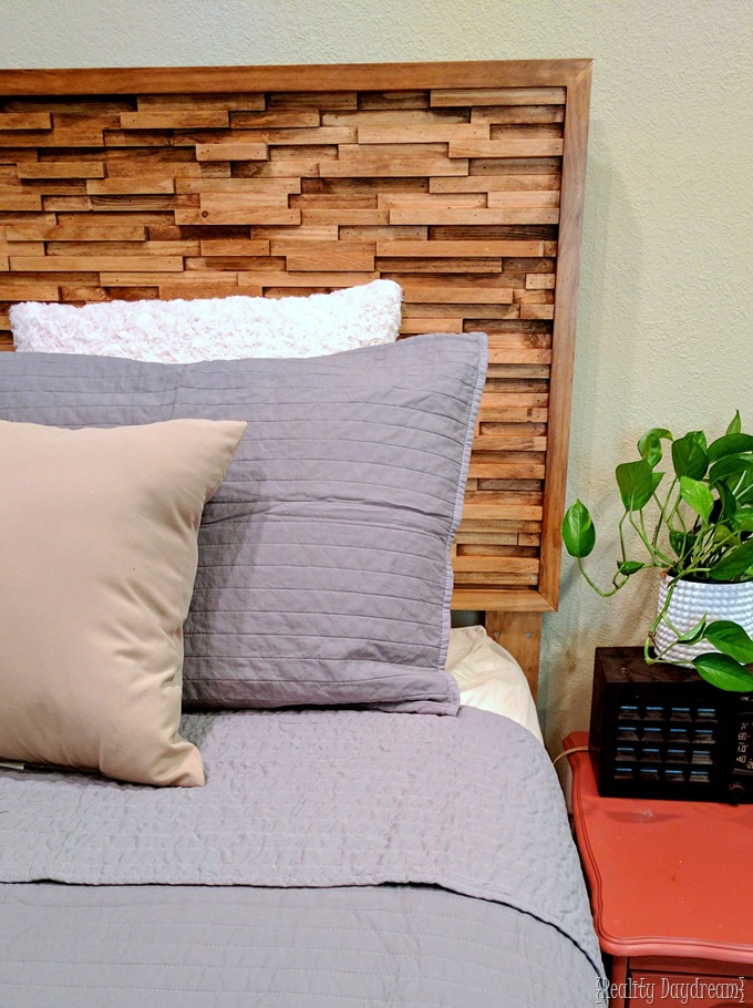 Wooden stained texture headboard tutorial {Reality Daydream}