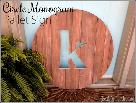 DIY Circle Monogram Wooden Sign {Reality Daydream}
