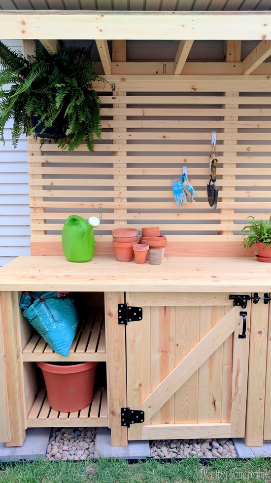 HUGE Potting Bench with hidden Garbage Can Enclosure - FREE BUILING PLANS! {Reality Daydream}