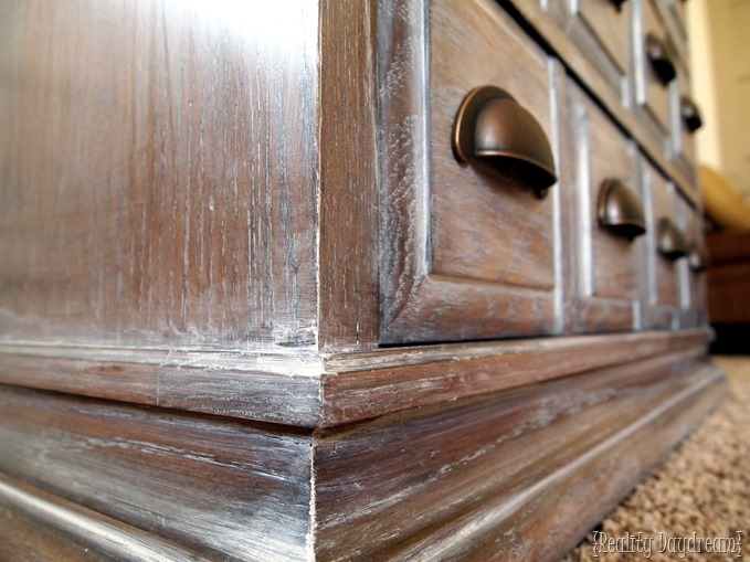 How to whitewash furniture - the easy way! {Reality Daydream}