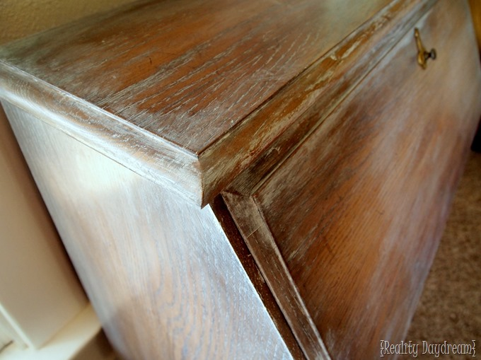 How to whitewash furniture the easy way! {Reality Daydream}