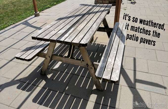 Raunchy picnic table... patio makeover by Reality Daydream!