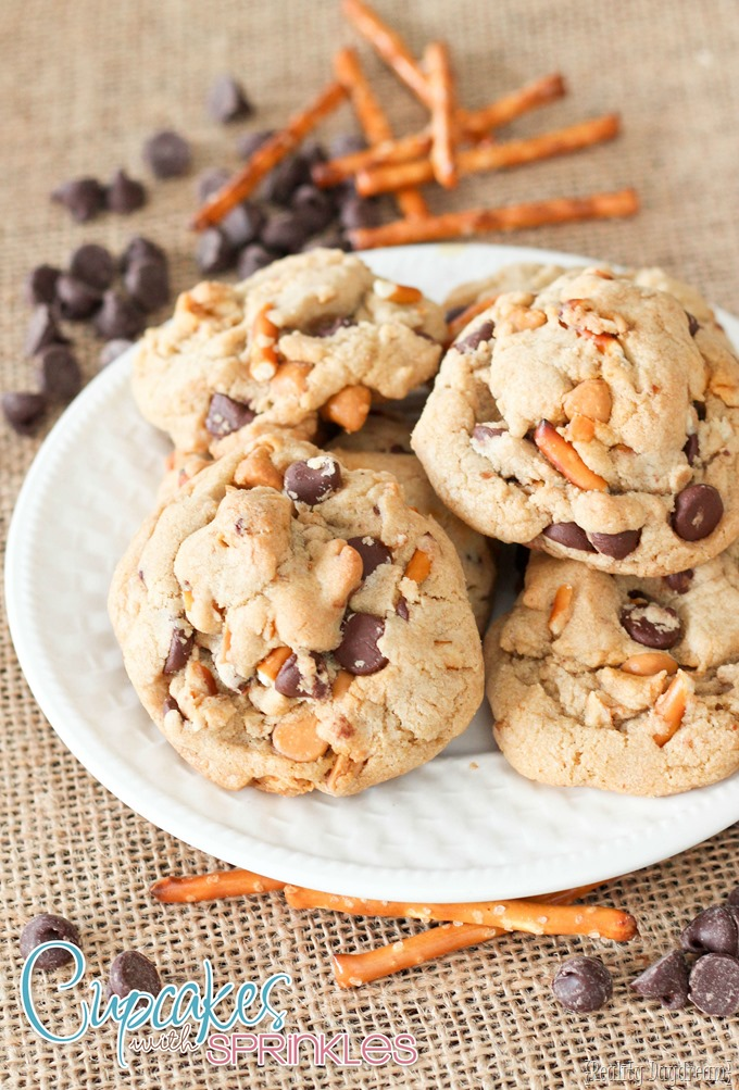 Recipe for Butterscotch Pretzel Cookies - with a hint of caramel!