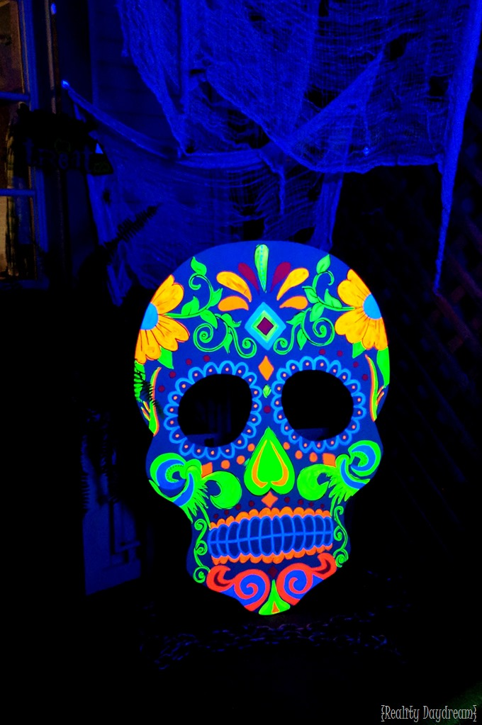 Halloween porch decor sugar skull that glows in the dark and holds candy for trick or treating! {Reality Daydream}