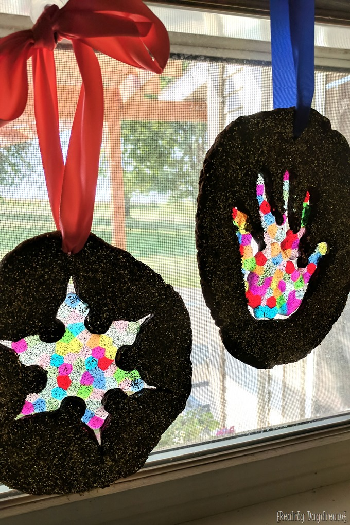 Salt dough suncatchers with cookie cutter or handprint... using pony beads and glitter! {Reality Daydream}