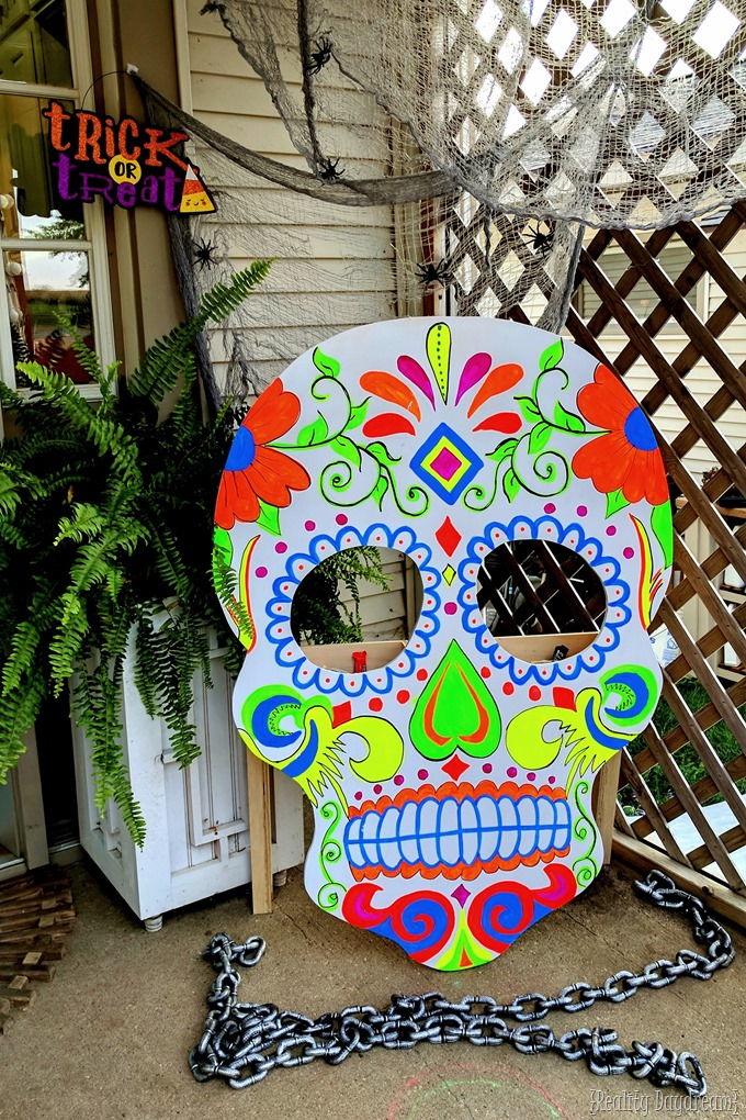 Trick or Treat SUGAR SKULL that glows in the dark! {Reality Daydream}