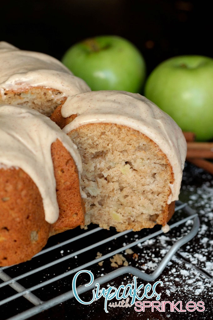 Apple Spice Bundt Cake #coffeecake #cinnamon