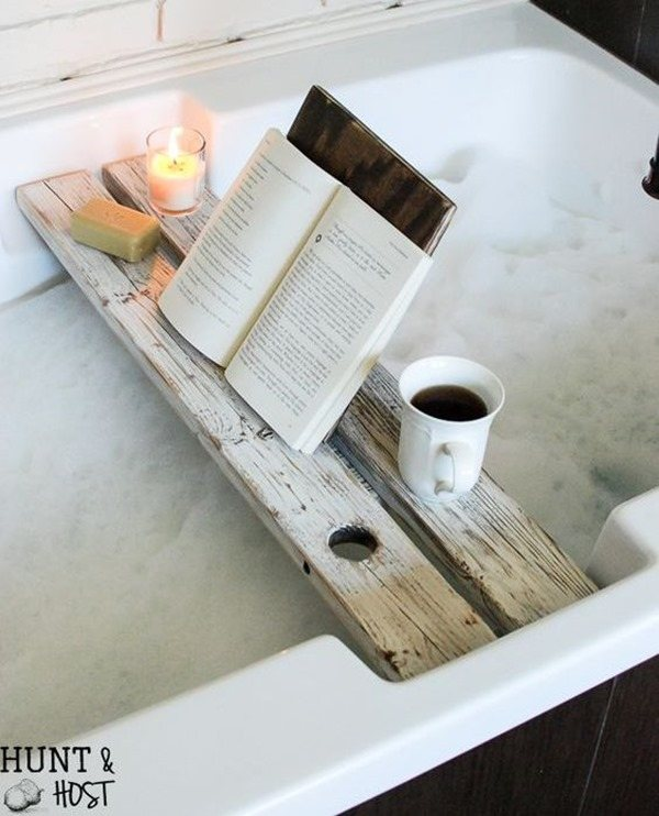 DIY Bath Tray and Book Rest - an easy building project for beginner woodworkers! {Hunt and Host}