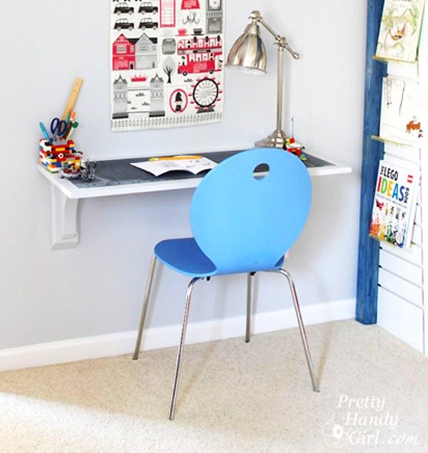 DIY Wood Projects - Wall-mounted Desk. Perfect for beginner Woodworkers! {Pretty Handy Girl}