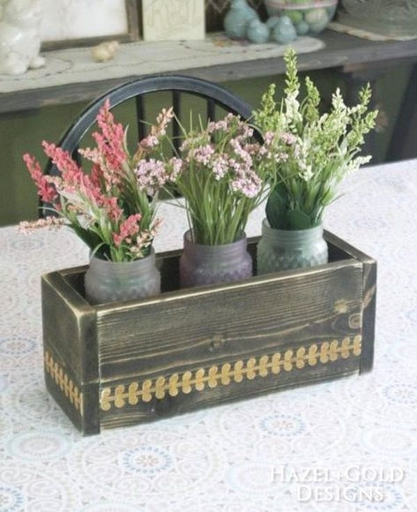 Easy Woodworking Project - DIY Flower Box Centerpiece {Hazel and Gold}