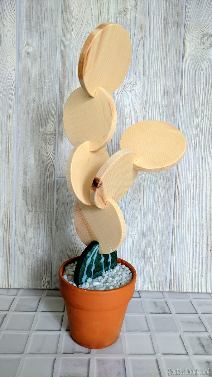 Make these coasters that look like a cactus sculpture! {Reality Daydream}