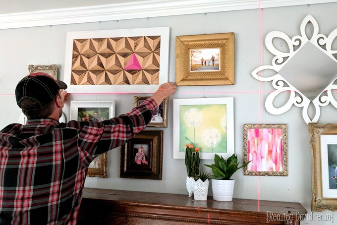 Tips for arranging and hanging a gallery wall the easy way! {Reality Daydream}