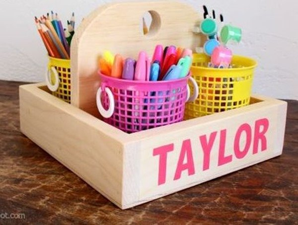 Wooden caddy for organizing anything! SUPER EASY woodworking build {Reality Daydream}
