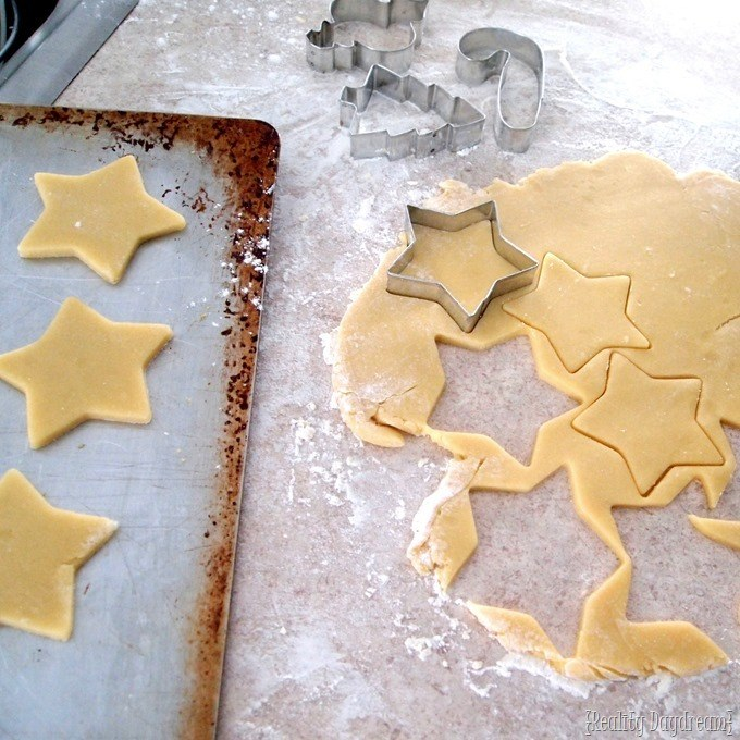 Christmas Cut-out Cookie Recipe {Reality Daydream}