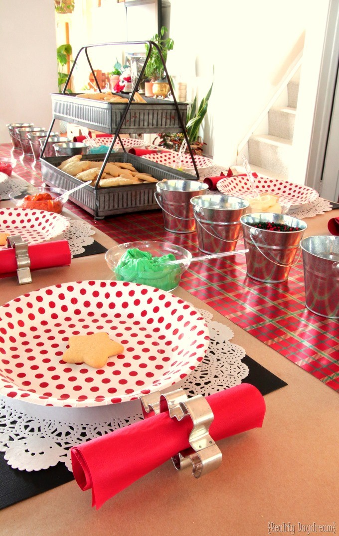 Christmas Cutout Cookie Decorating Party for Kiddos! #holiday #cookies {Reality Daydream}