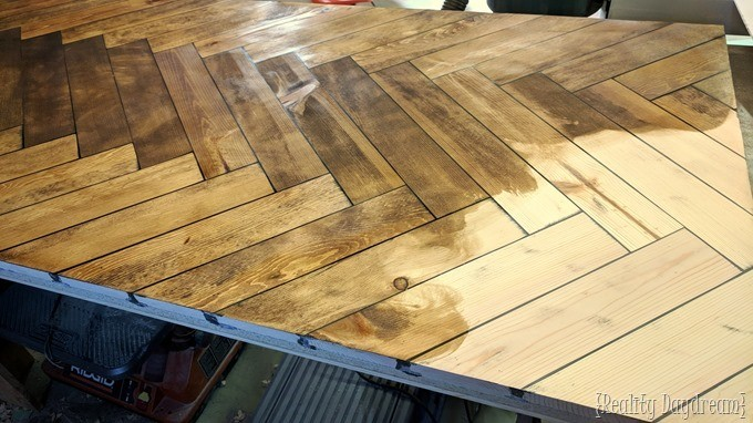 Stain herringbone table with Minwax {Reality Daydream}