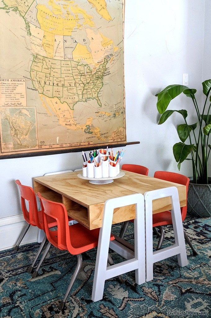 Convertable Kids Craft Table Desk with a hinge! {Reality Daydream}