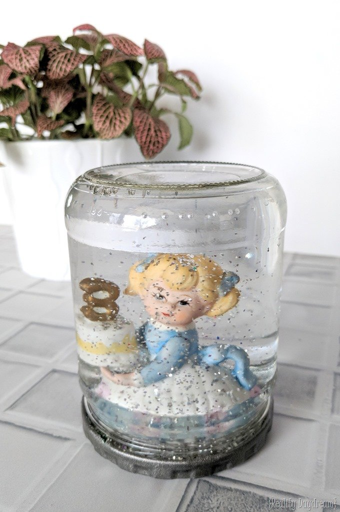DIY Snow Globe using a jar and a figurine! {Reality Daydream}