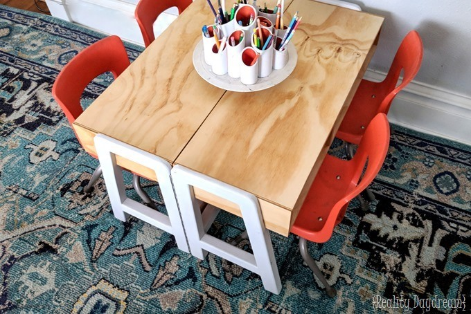 How to Build a Kids Craft Table {Reality Daydream} #desk #white