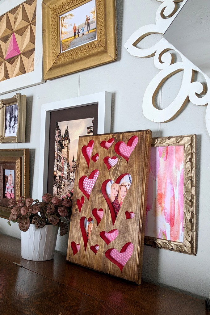 DIY Heart-Shaped Cutout Valentine Plaque Frame with scrapbook paper #scrollsaw {Reality Daydream}