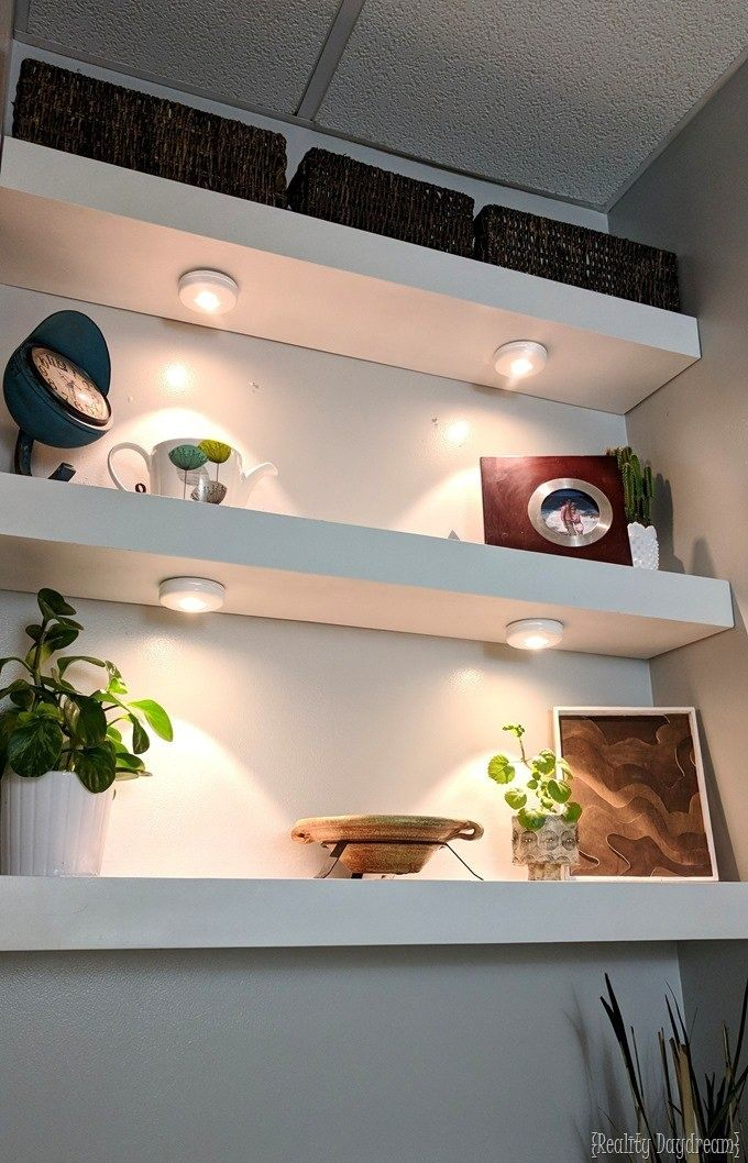 Tutorial for Floating shelves... could totally work for closet shelving and organization! {Reality Daydream}