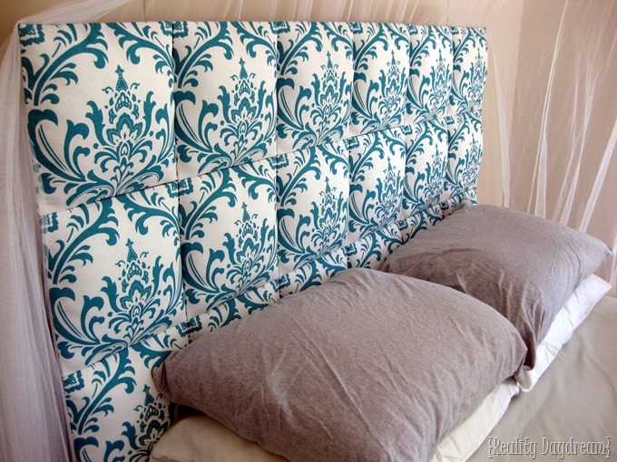 EASY Upholstered Headboard for kids... tons of great ideas! {Reality Daydream}