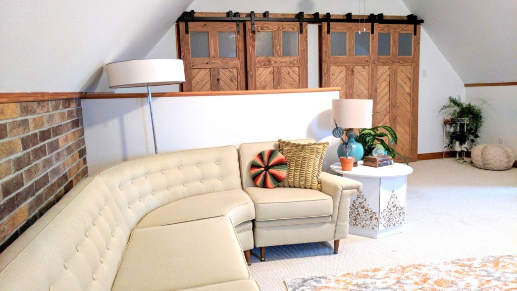 How to build a sliding barn door - Step-by-step Instructions!