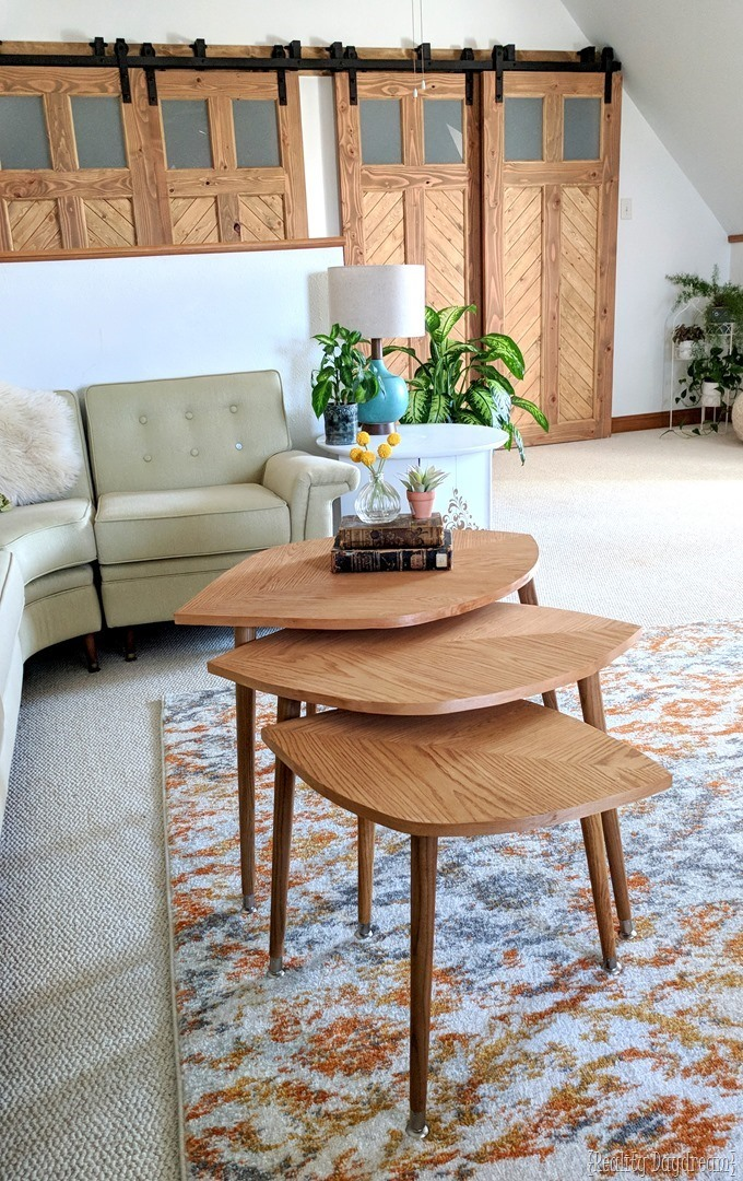 How to build these mid-century modern nesting tables that look like leaves! {Reality Daydream}