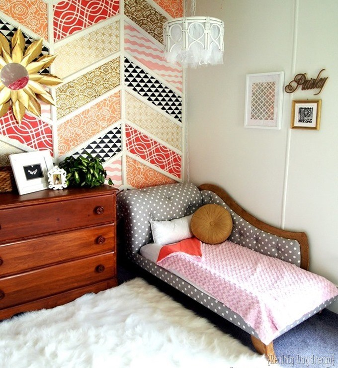 Upholstered Toddler Bed and other upholstered headboards for kids!