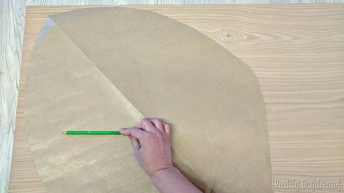 Using a template to make a leaf shaped coffee table or nesting tables {Reality Daydream}