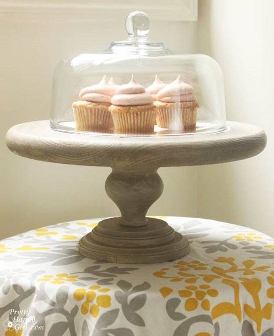Easy and creative DIY Cake Stands and Cupcake Stands!