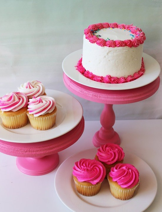 Ideas for DIY Cake Stands and Cupcake Stands