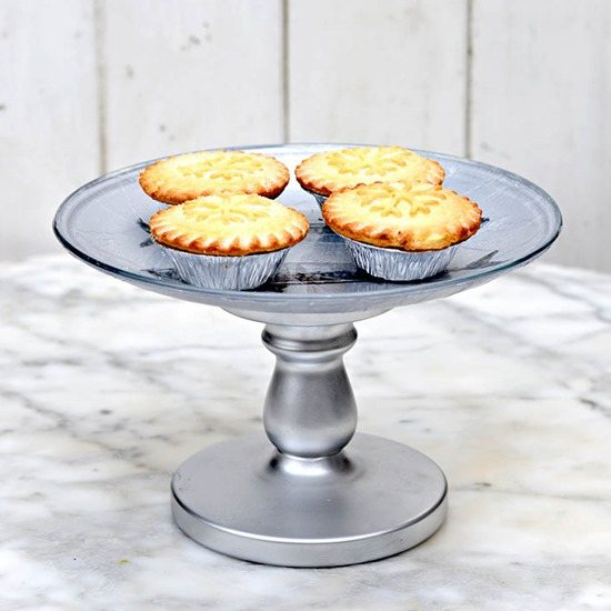 Simple and unique DIY Cake STands